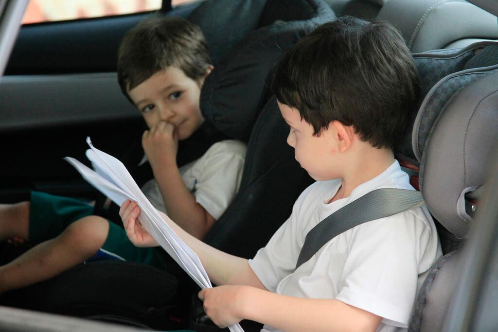 viajar com crianças - cadeirinha obrigatória
