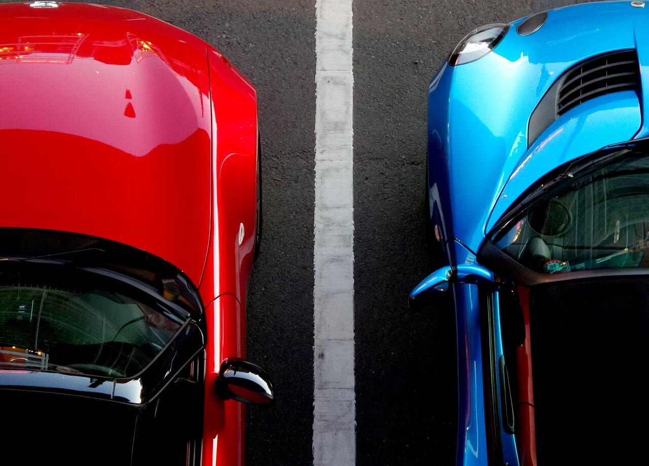 manobrar carros - atenção ao estacionar