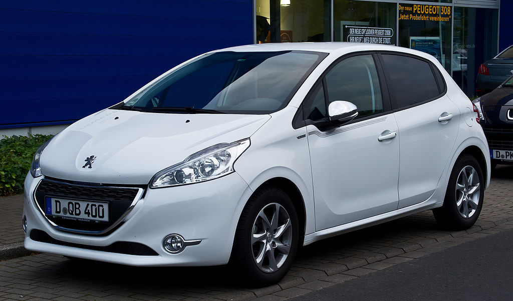 carros esportivos - Peugeot 208