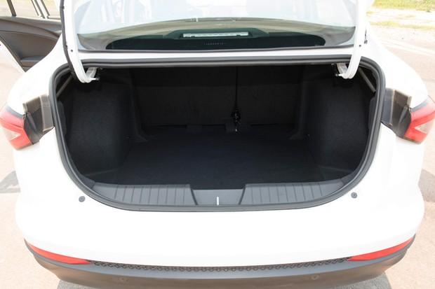 Cronos da Fiat - porta-malas