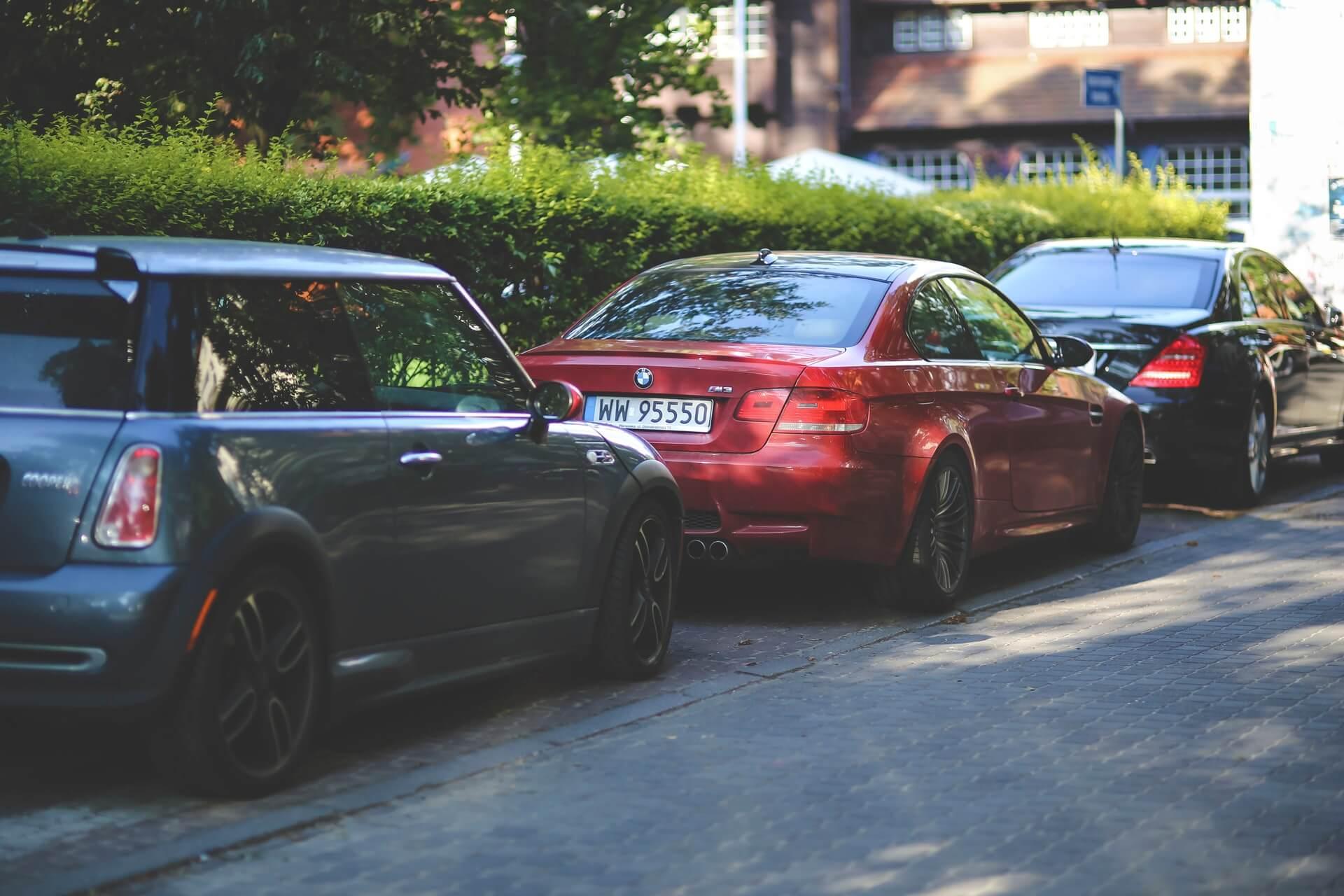 carros usados baratos - Na hora de pensar na compra de carros usados, afaste-se de modelos com difícil revenda e manutenções caras