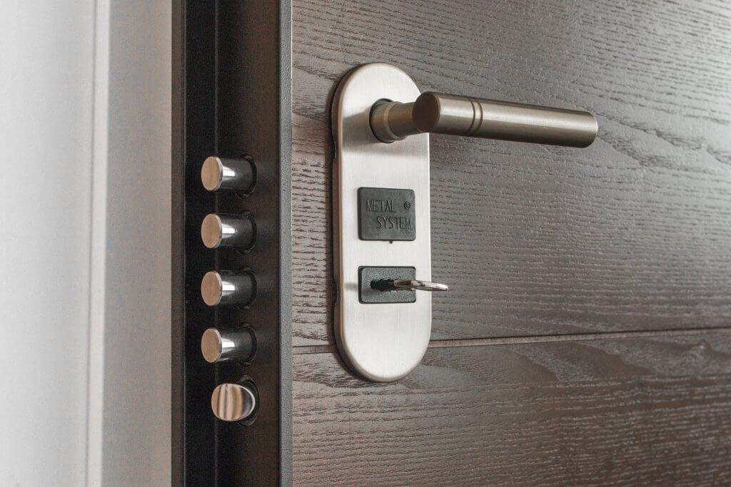 seguro contra roubo - Seguro contra roubo residencial: a diferença entre roubo e furto