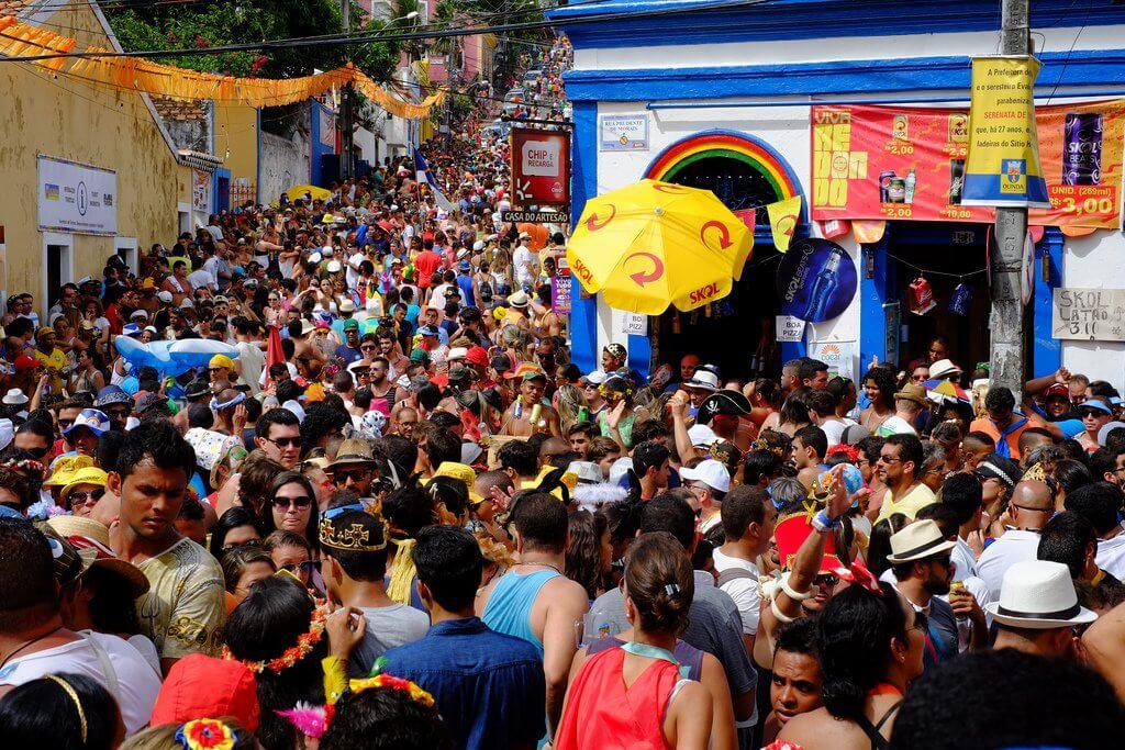 festas populares brasileiras - Carnaval: o destaque das festas populares brasileiras