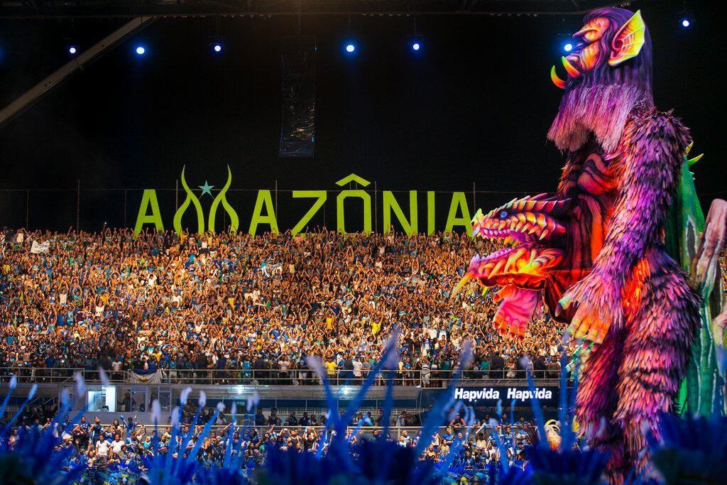 festas populares brasileiras - Beleza e natureza no Festival Folclórico de Parintins