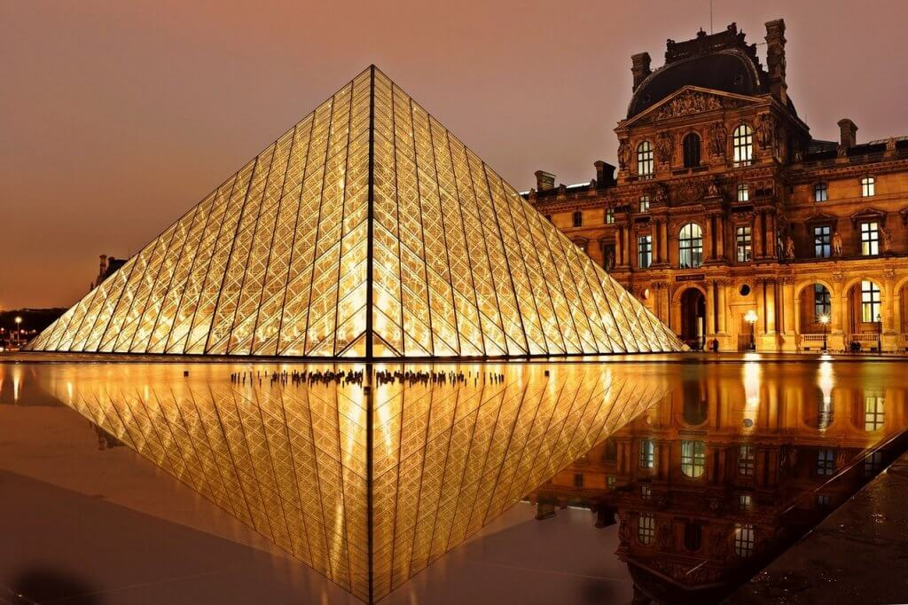 passeios em Paris - Passeios em Paris lhe levarão a museus famosos