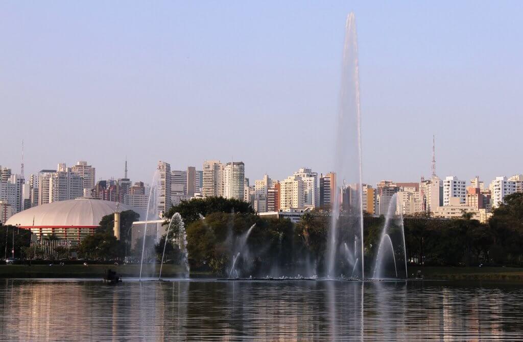 pontos turísticos em São Paulo - O Parque Ibirapuera é apenas um dos grandes parques da cidade