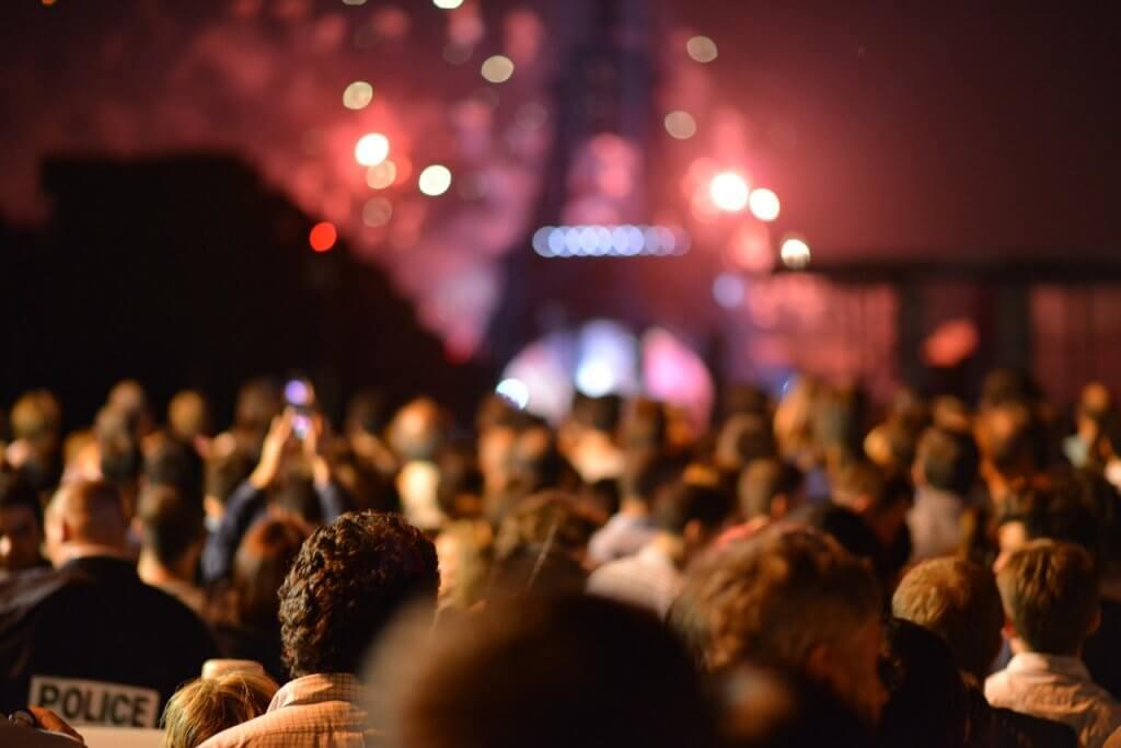 passeios em Paris - Passeios em Paris precisam passar pela Torre Eiffel