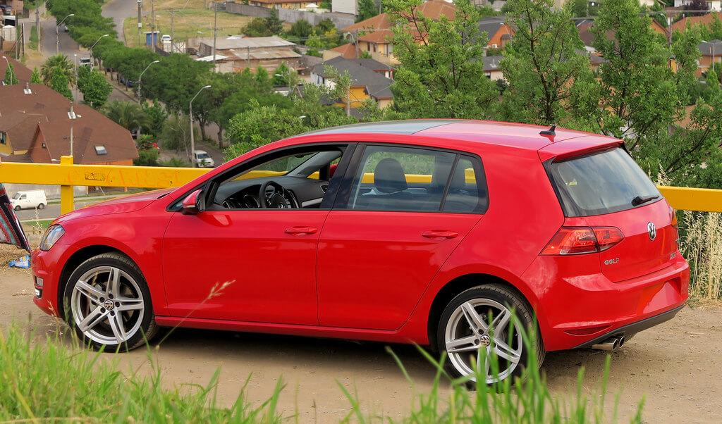 teto solar panorâmico - Volkswagen Golf Comfortline – R$ 83.507