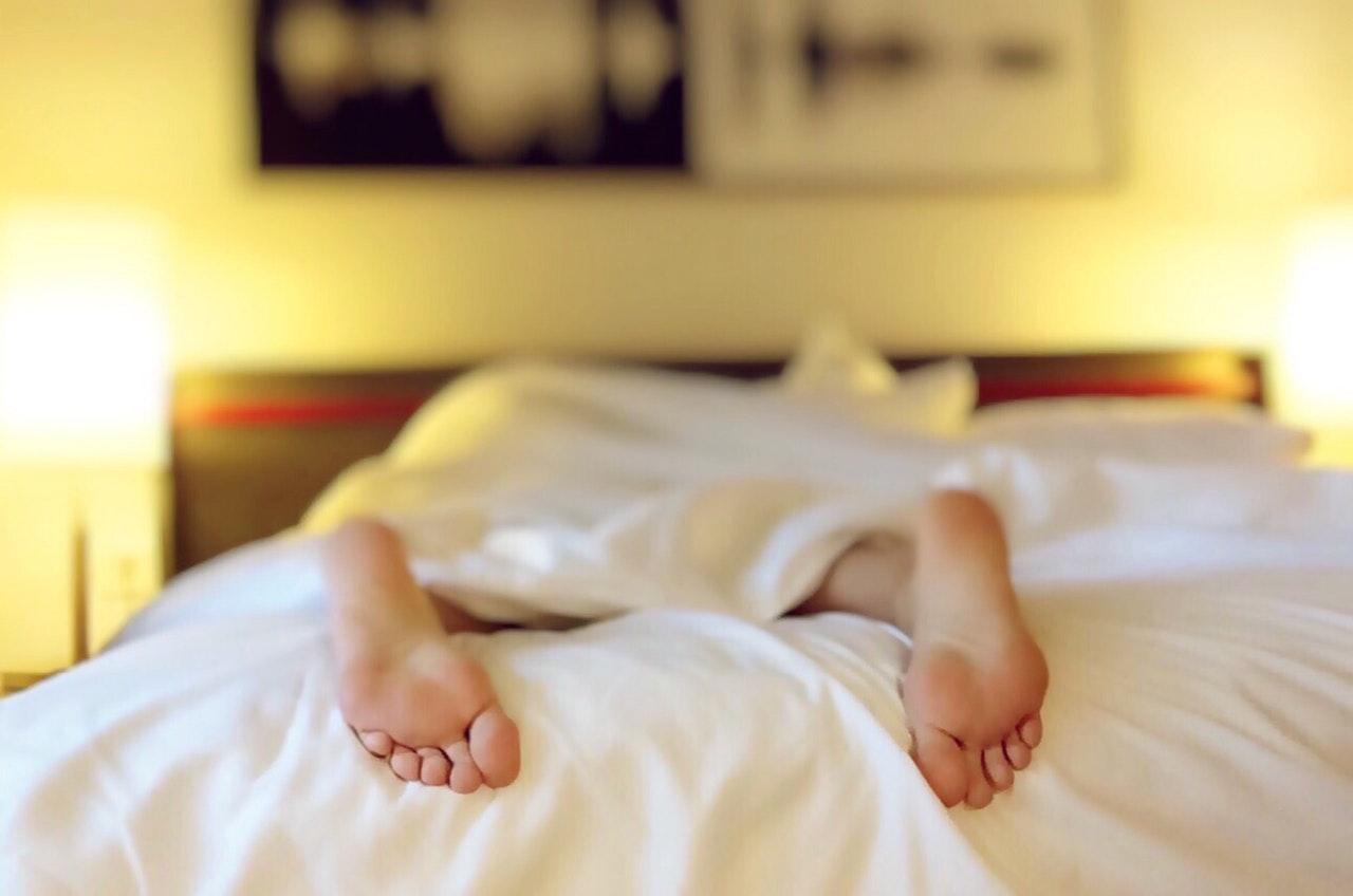 dicas para se adaptar ao fuso horário - Procure não dormir quando chegar ao seu destino