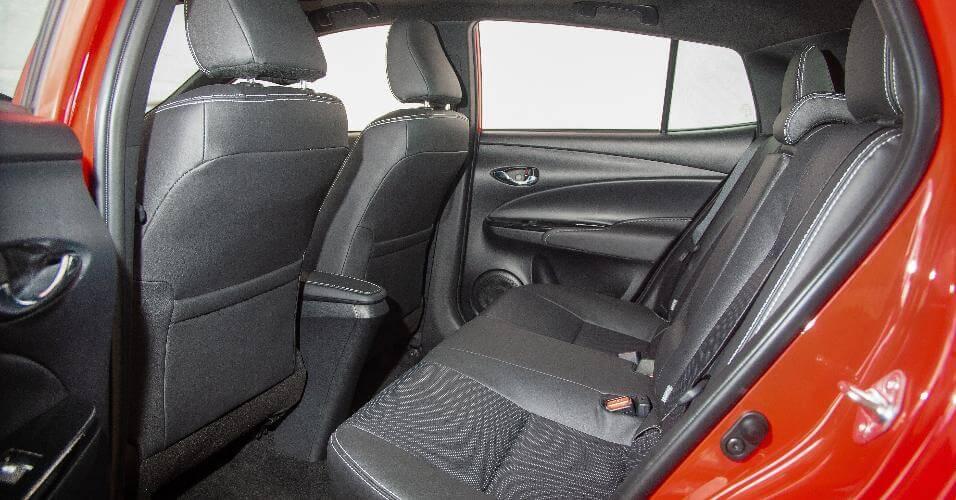 Yaris - Espaço do carro