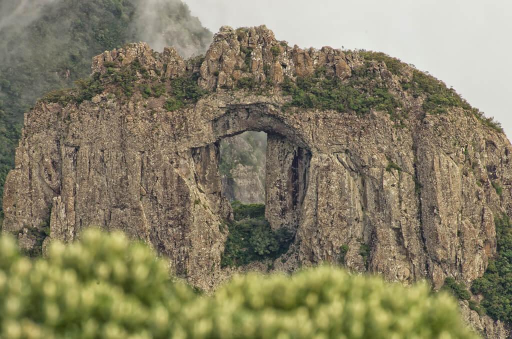Morro da Igreja - Vista incrível: Pedra Furada