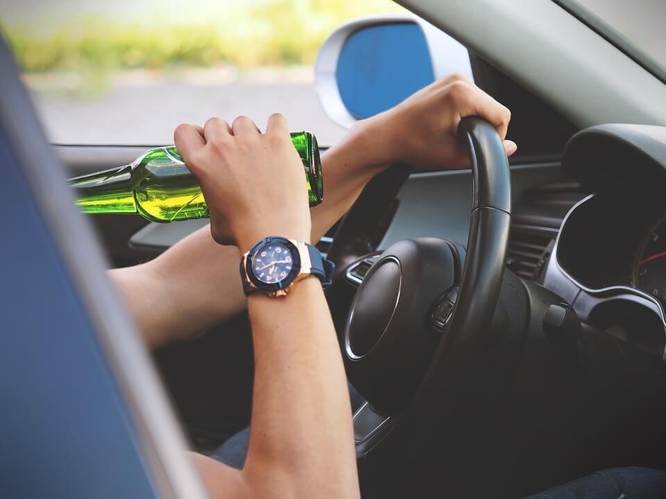 bater o carro bêbado - O que acontece se eu bater o carro bêbado?