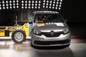 Teste de impacto realizado em um Renault Sandero